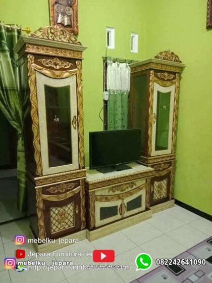 Lemari Hias TV Selendang