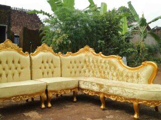 Sofa tamu sudut mewah warna emas