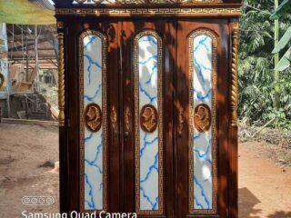 Lemari pakaian 3 pintu tiara