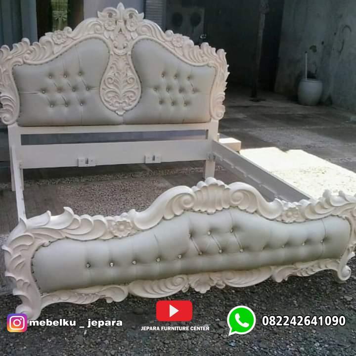 Tempat tidur mewah ukir cat putih